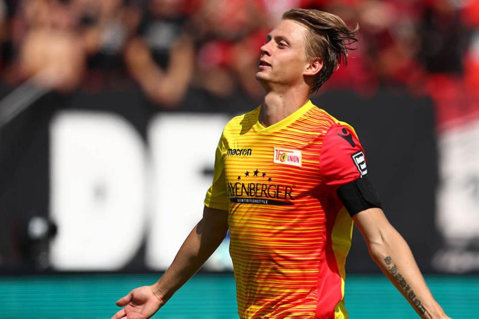 Simon Hedlund von Union jubelt über seinen Treffer zum 0:1.