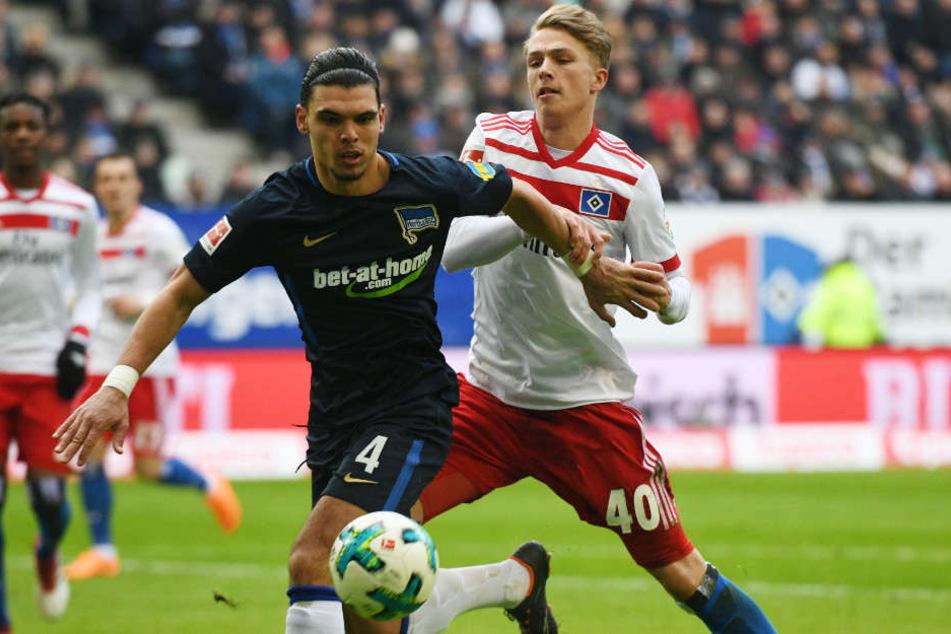 Jann-Fiete Arp (r.) könnte bald für den FC Bayern München auflaufen.
