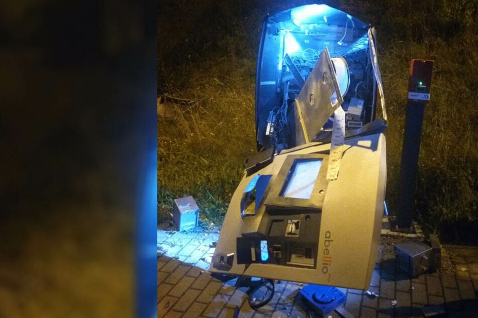 Dämliche Randalierer? Automat gesprengt und Geld vergessen