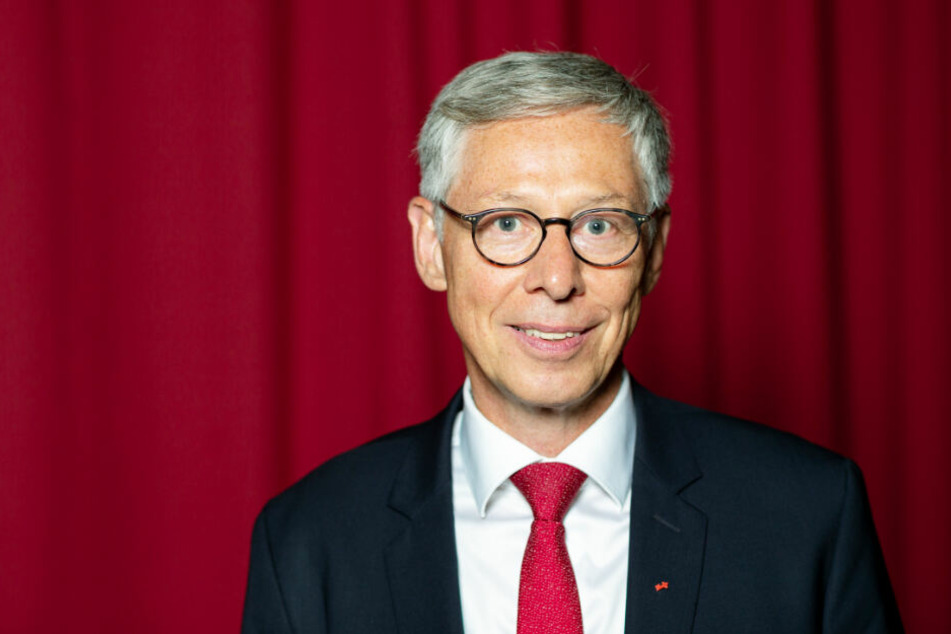 Der derzeitige Bürgermeister in Bremen ist Carsten Sieling (SPD).