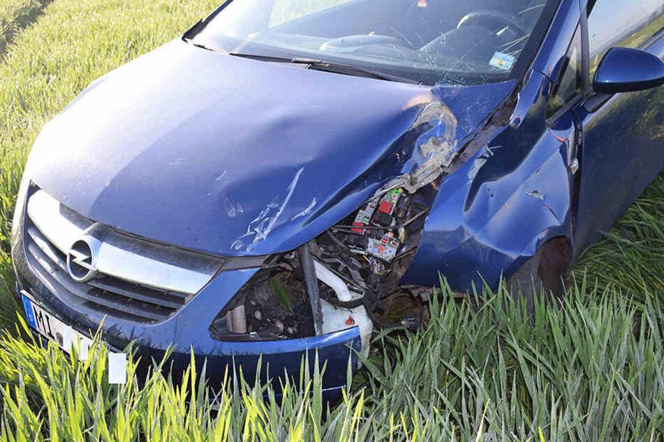 Der Opel Corsa wurde bei dem Unfall beschädigt. Die 19-Jährige blieb unverletzt.
