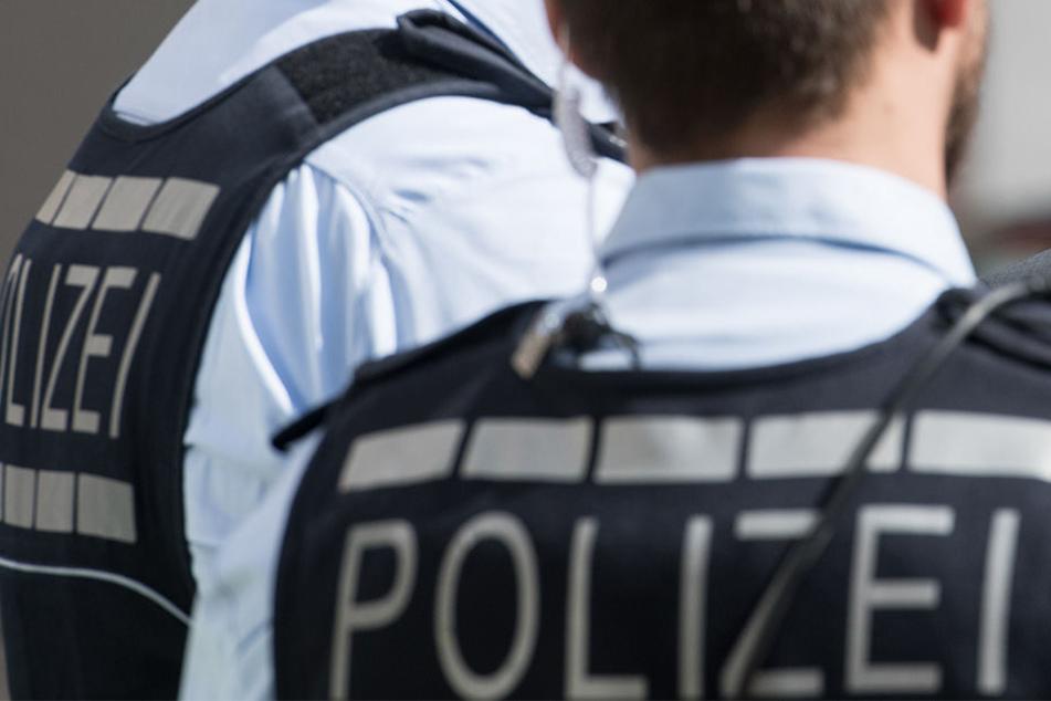 Die Polizei ging in Deutschland und Österreich gegen eine mutmaßliche Betrügerbande vor.