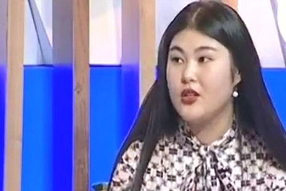 Frau verkauft ihre Jungfräulichkeit, um ihr Studium zu bezahlen