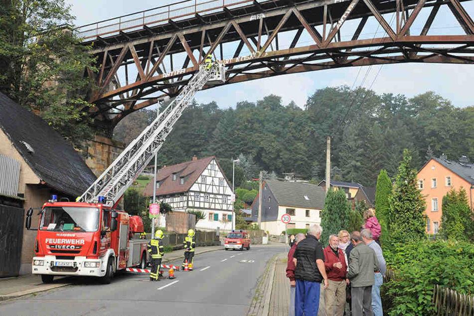 Feuerwehr macht Rabensteiner Viadukt wieder hübsch