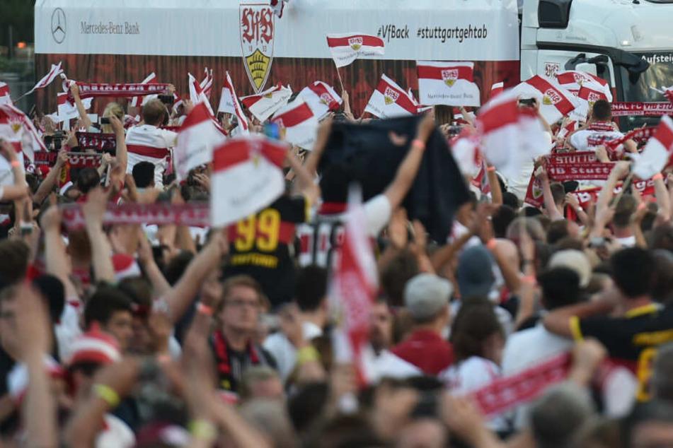 Interimstrainer Willig lobte die VfB-Fans auf der Pressekonferenz vor der Relegation. (Symbolbild)