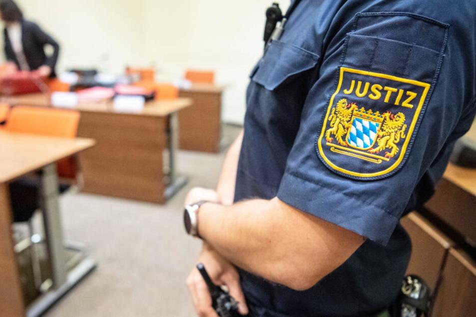 In Nürnberg wurde ein Mann wegen einer Messerattacke verurteilt. (Symbolbild)