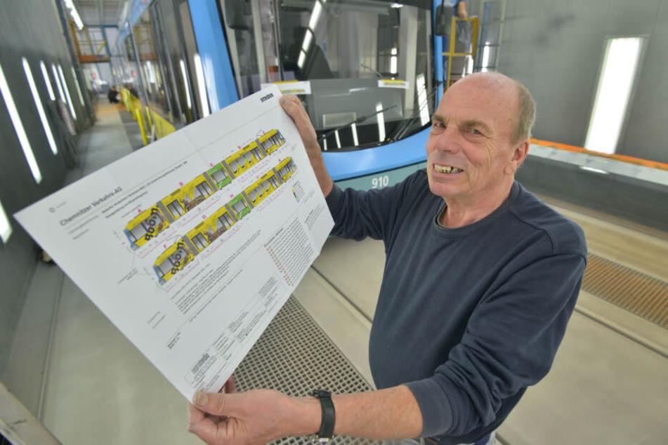 So muss das Puzzle später mal aussehen: Werbetechniker Matthias Unger (69) zeigt den Beklebungsentwurf.