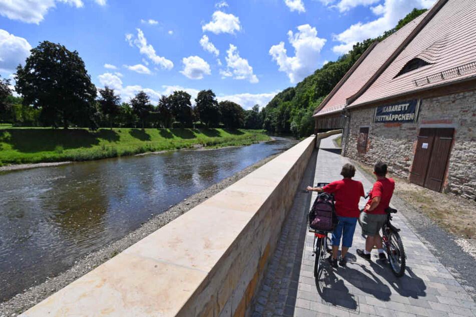 An der Weißen Elster in Gera sind schon Hochwasserschutzmauern entstanden.