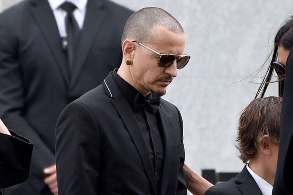 Chester Bennington, hier bei der Trauerfeier für Chris Cornell, wurde am Samstag beerdigt.