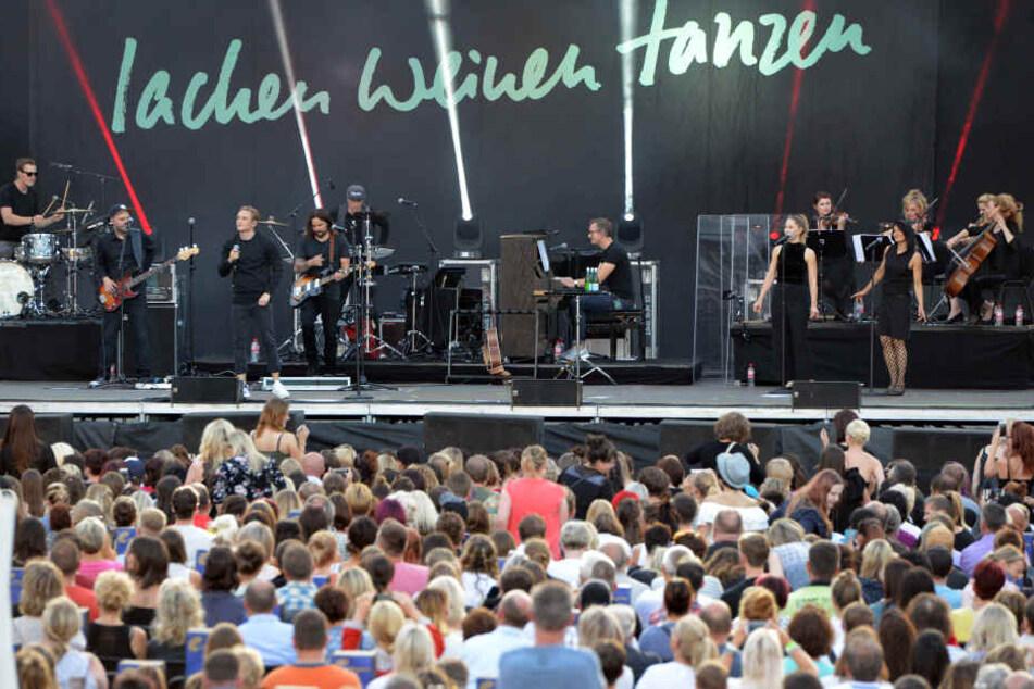 Mehr 1000 Leute wollten sich Schweighöfers Songs nicht entgehen lassen.