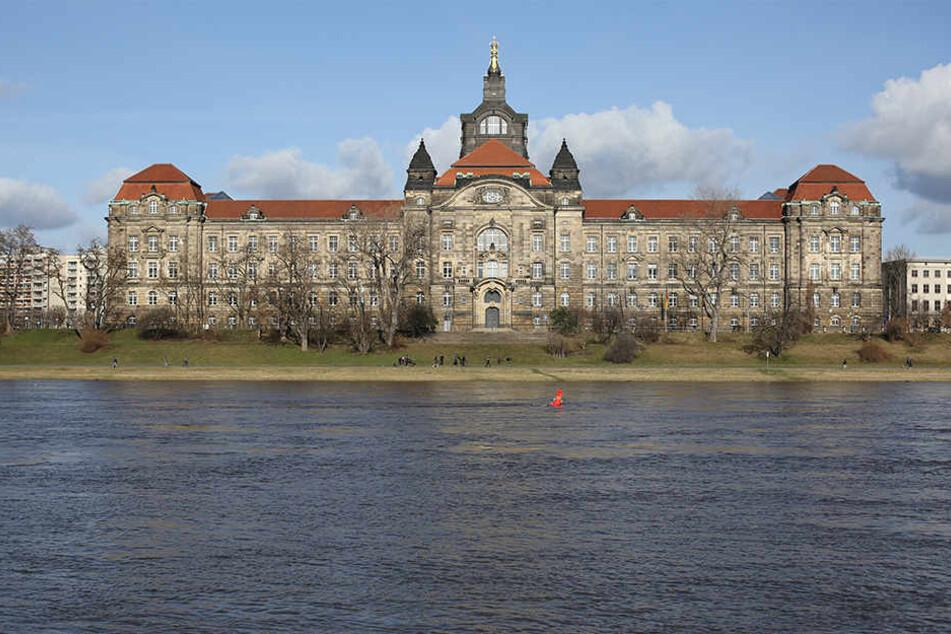 Die Staatskanzlei in Dresden: Die Machtzentrale soll kommende Woche einen neuen Chef bekommen.