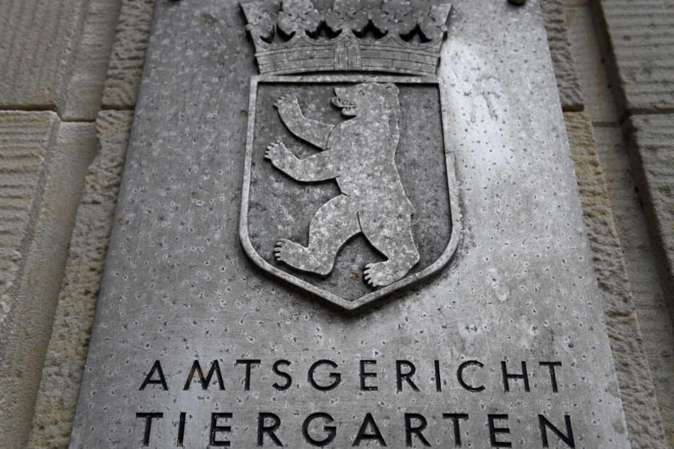 """Ein Schild mit der Aufschrift """"Amtsgericht Tiergarten"""". (Archivbild)"""