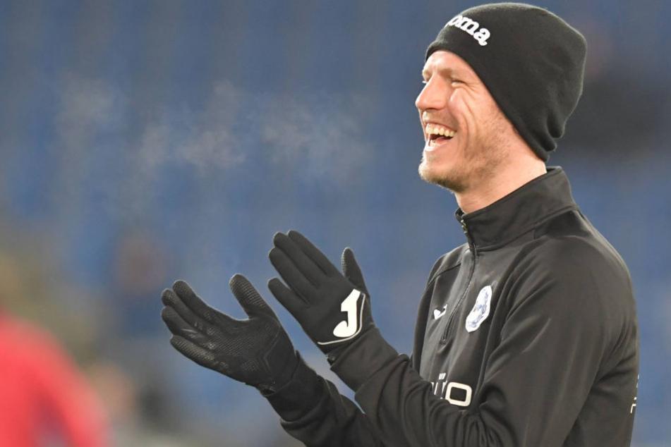 Auch gegen 1. FC Union Berlin saß der 30-Jährige nur auf der Bank und wurde eingewechselt.