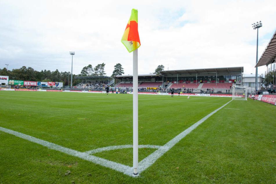 Das Hardtwaldstadion in Sandhausen. Hier muss der HSV am Sonntag antreten.