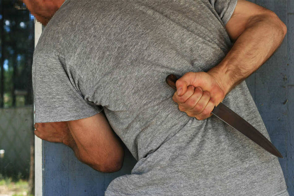 Asylbewerber gehen mit Messer aufeinander los
