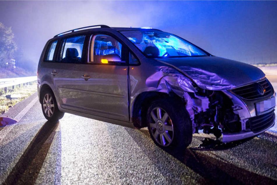 Vier Menschen wurden durch die Karambolage auf der A5 verletzt.