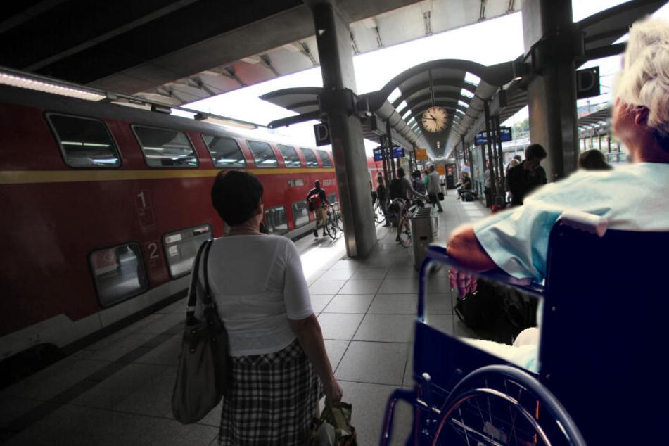 Die 101-jährige Frau und ihre Tochter hatten sich im Mainzer Hauptbahnhof aus den Augen verloren (Symbolbild).