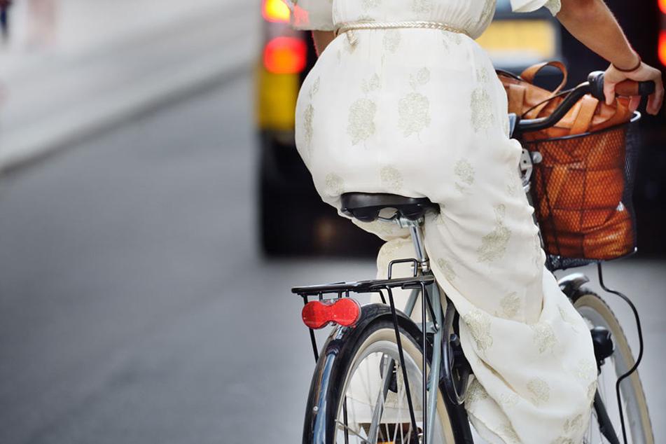Nach schwerem Verkehrsunfall: Radfahrerin stirbt im Krankenhaus