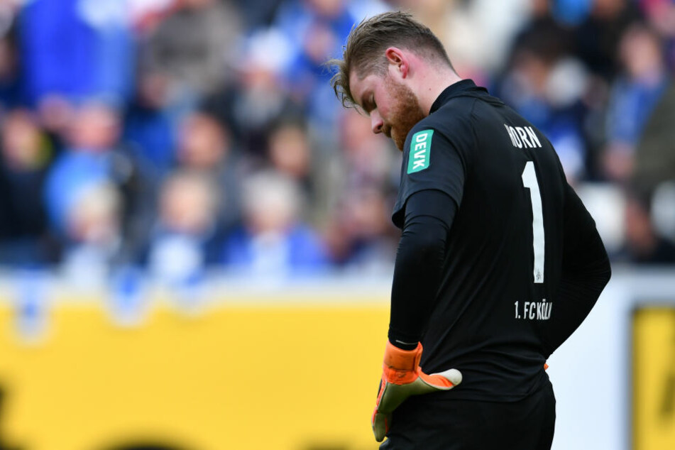 Von der Abwehr im Stich gelassen: FC-Keeper Timo Horn konnte einem wirklich Leid tun.