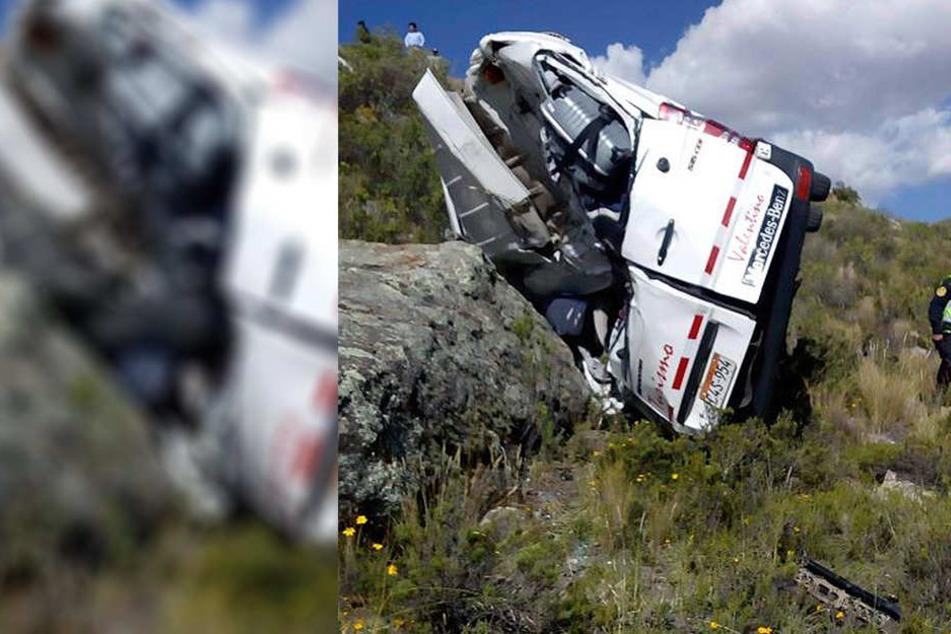 Bei dem Unglück starben zwei Menschen, zwölf wurden verletzt.