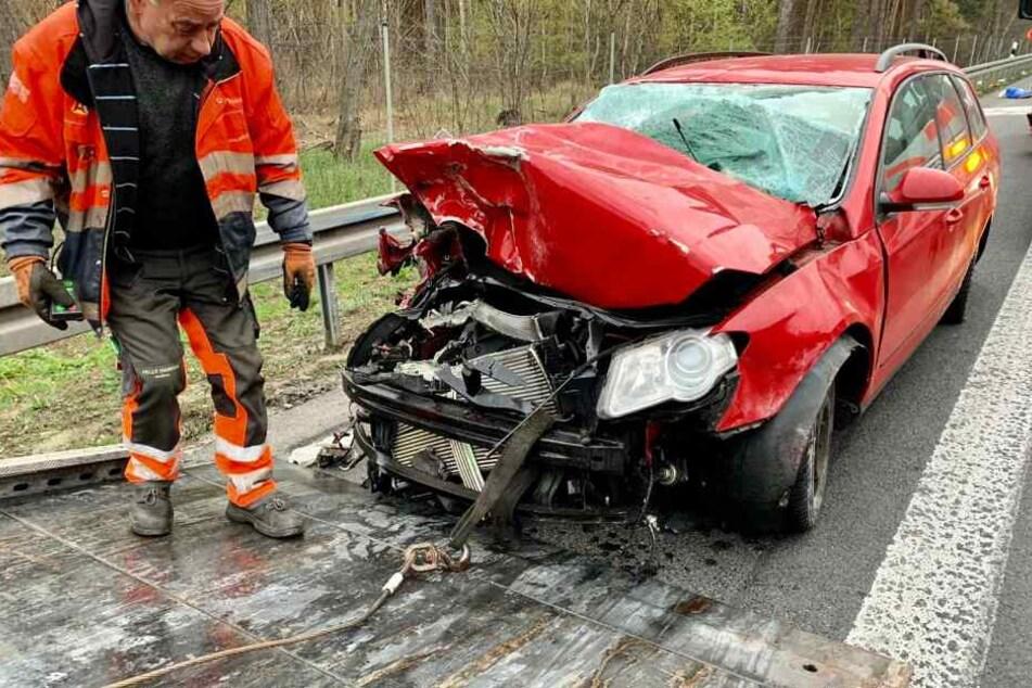 Auf der A2 gab es am Samstagmorgen einen heftigen Unfall.