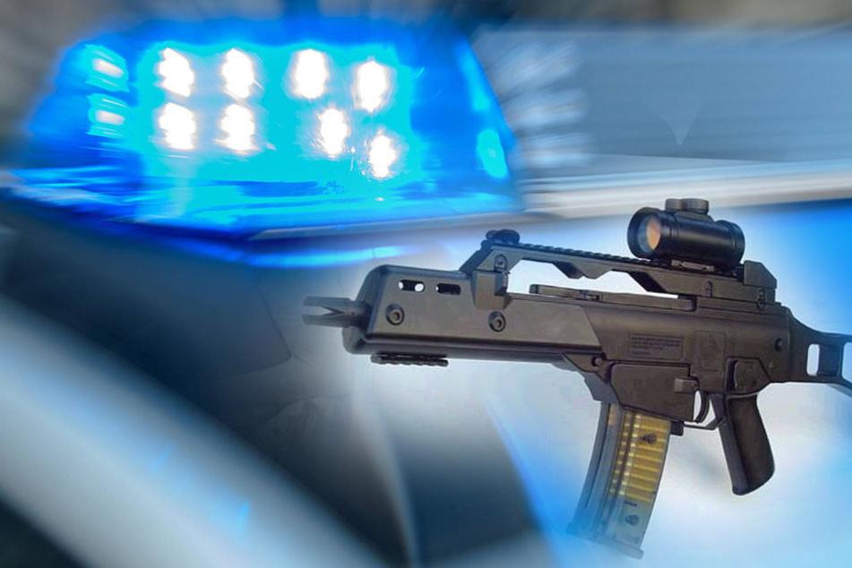 Fahrzeugkontrolle: Polizei entdeckt Waffen in Auto
