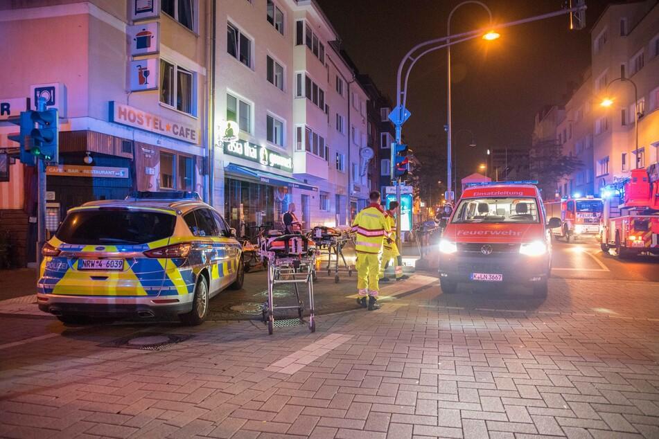 """Die Feuerwehr wurde gegen 1.15 Uhr zu der Haltestelle """"Piusstraße"""" gerufen."""