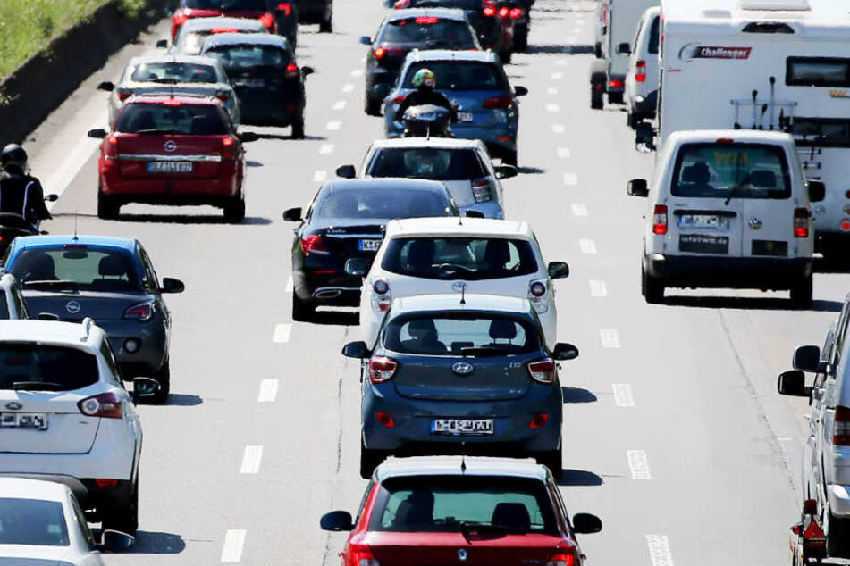 Zehn Kilometer Stau nach tödlichem Crash auf der A7 bei Kassel