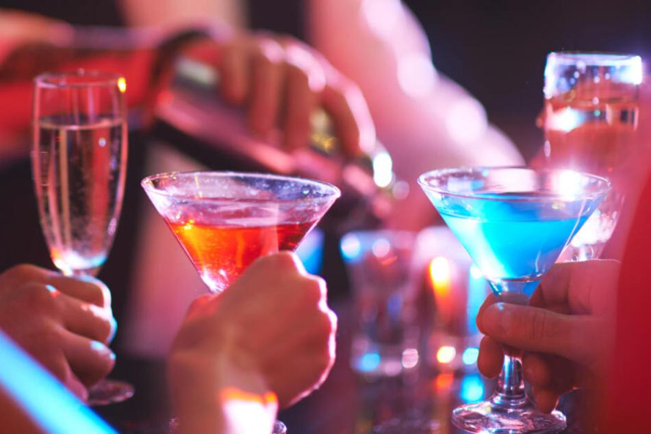Brüder (9 und 10) führen illegale Bar mit Spielhölle