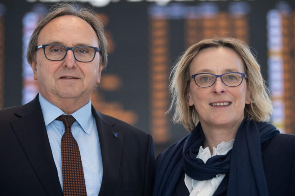Walter Schoefer (l.) und Arina Freitag, Geschäftsführer der Flughafen Stuttgart GmbH.