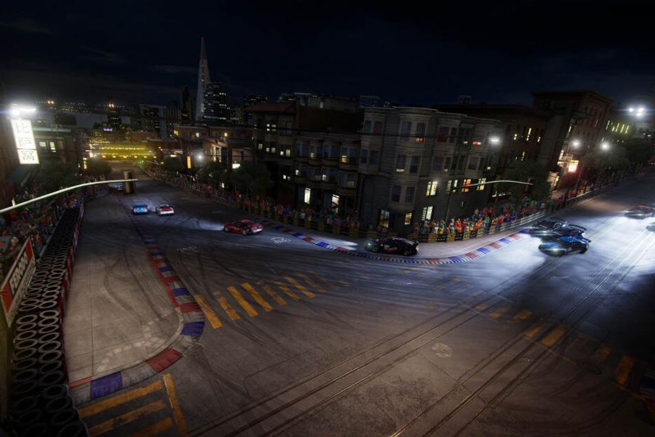 """In """"GRID"""" seid Ihr nicht nur bei Tageslicht unterwegs, sondern auch nachts bei klassischen Straßenrennen."""