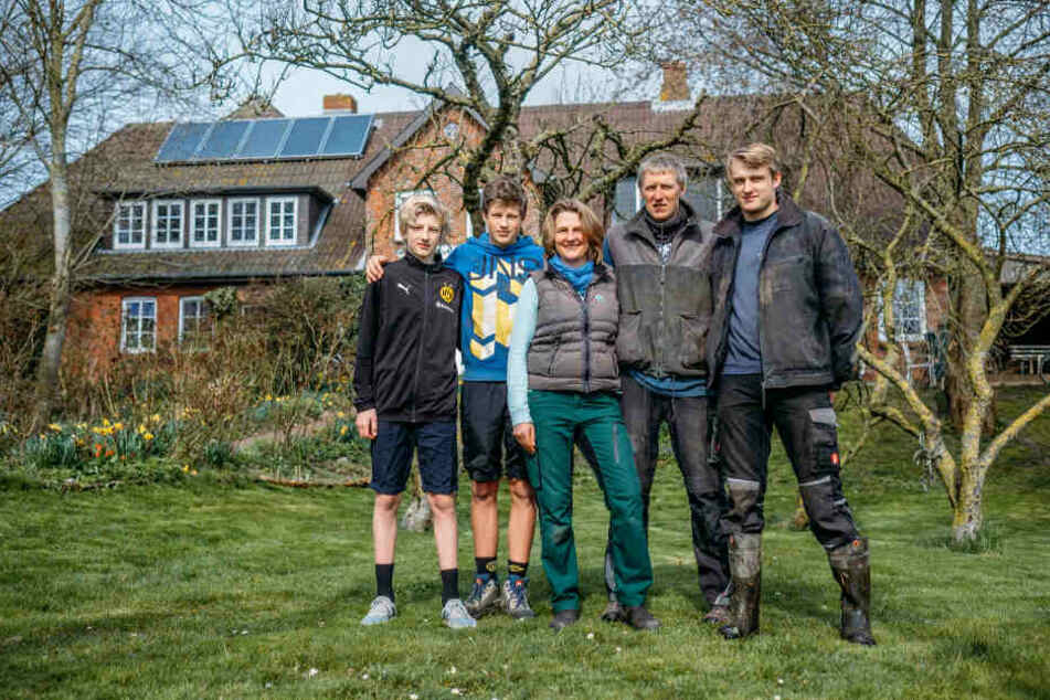 Während die Bundesregierung in Berlin um neue Klimagesetze streitet, hat die Familie Backsen auf der Insel Pellworm Angst davor, unterzugehen.