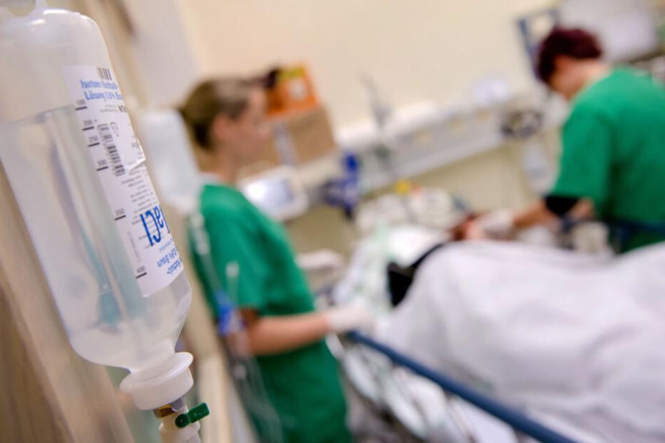 Die Versorgung von kranken Kindern steht vor Schwierigkeiten. (Symbolbild)