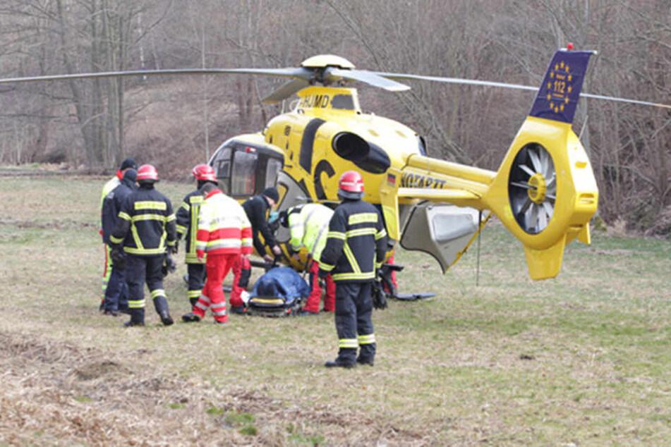 Auch Rettungshubschrauber waren am Unfallort im Einsatz.