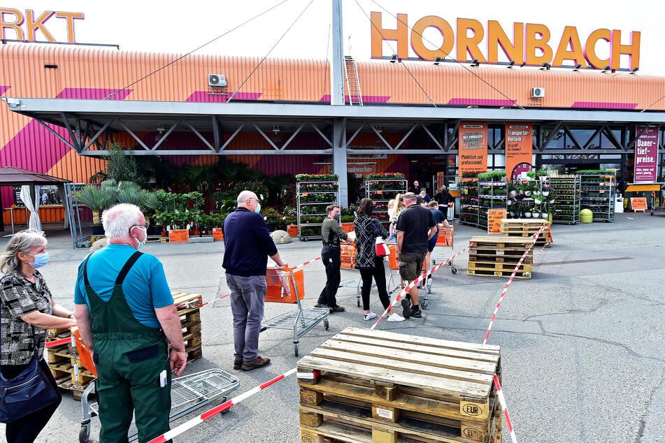 Wie Frisöre sollen ab Montag auch Baumärkte für normale Kunden öffnen dürfen, fordert die IHK. Hier ein Bild aus dem vergangenen Jahr.