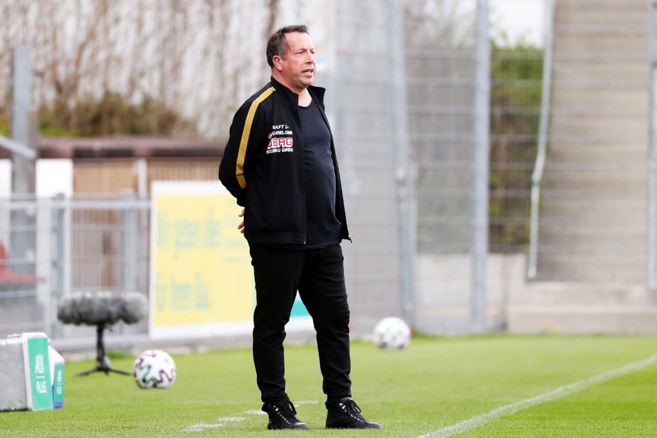 Seine Truppe spielte in den vergangenen Partien zu starr, ohne überraschende Momente: Dynamo-Trainer Markus Kauczinski (51).