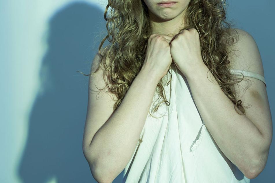 Mann Vergewaltigt Frau