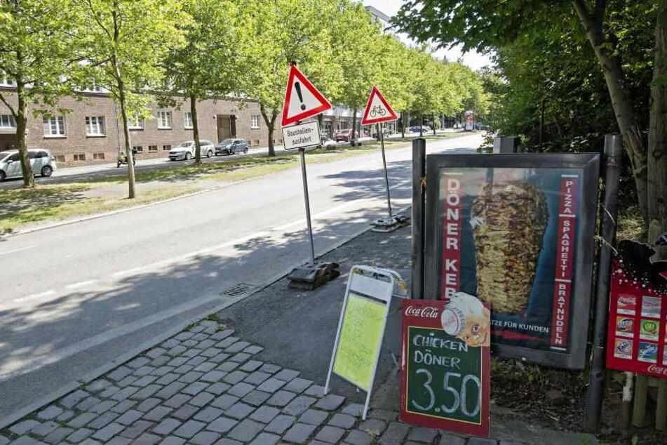 Im Imbiss oberhalb der Mensa geschah der Überfall, die Räuber verschwanden landwärts in die Wartburgstraße.