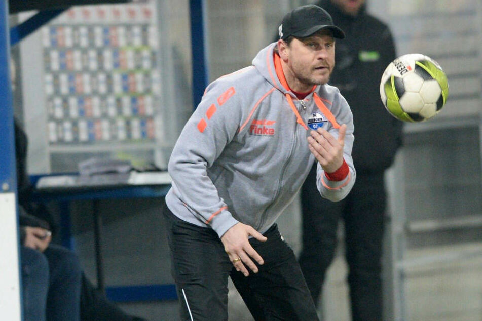 SCP-Trainer Steffen Baumgart (46) rechnet mit einem kampfbetonten Spiel.