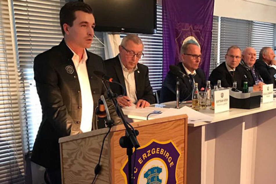 Die Mitgliederversammlung des FCE wurde zu einer Katastrophe.