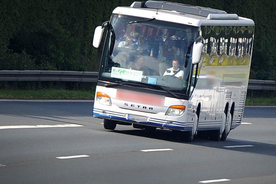 Der Branchenverband der Transportunternehmen beklagt sich, dass Busse und kleine LKWs keine Maut zahlen müssen. (Archivbild)