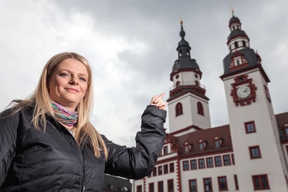 Schön wär's: Susanne Schaper (39, Linke) fordert, dass 2018, im Jahr des 875.  Stadtgeburtstags, wieder ein Türmer  vom Rathaus seinen Ruf erschallen lässt.