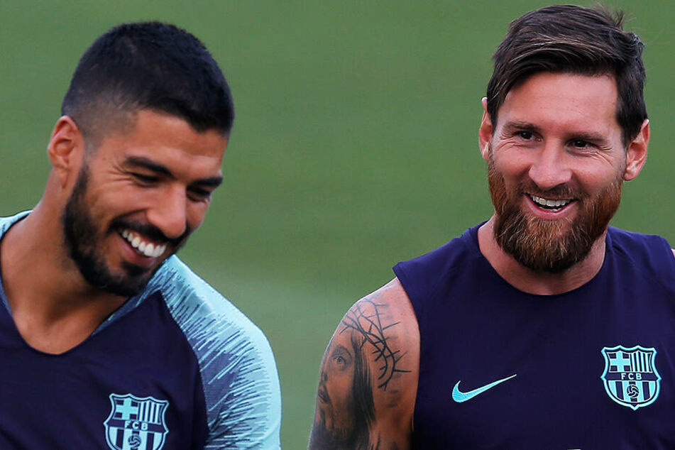 Nicht nur auf dem Platz gute Kumpels. Luis Suarez und Lionel Messi verbringen auch außerhalb des grünen Rasens viel Zeit miteinander, waren zuletzt mit ihren Familien gemeinsam im Ibiza-Urlaub.