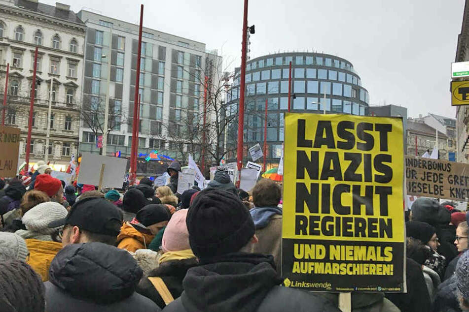 Zehntausende protestieren gegen rechtskonservative Regierung in Wien