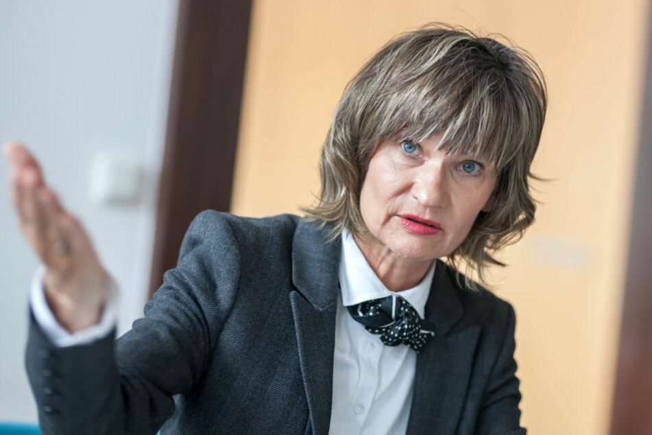 Die Parteisäge muss weg, sagt Oberbürgermeisterin Barbara Ludwig (55, SPD). Der Freistaat als Eigentümer lehnt das ab.