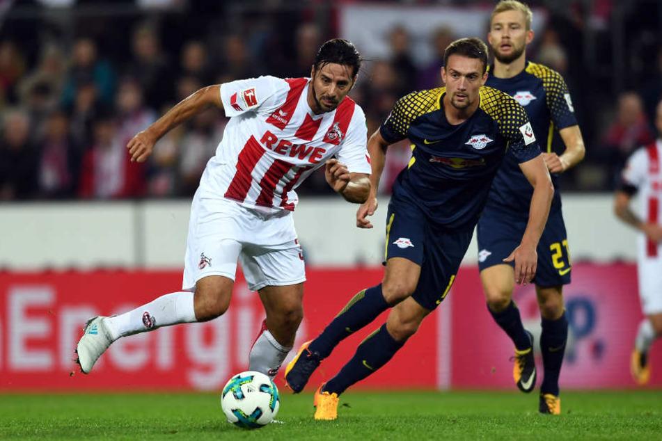In der Hinrunde hat der 1. FC Köln (hier Claudio Pizarro, l.) gegen die Roten Bullen (hier Stefan Ilsanker (M.) und Konrad Laimer) 1:2 verloren.