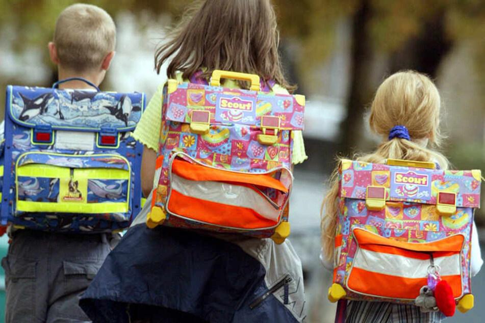 Auch der geliebte Schulranzen kostet vor allem in den ersten Schuljahren viel Geld. (Symbolbild)