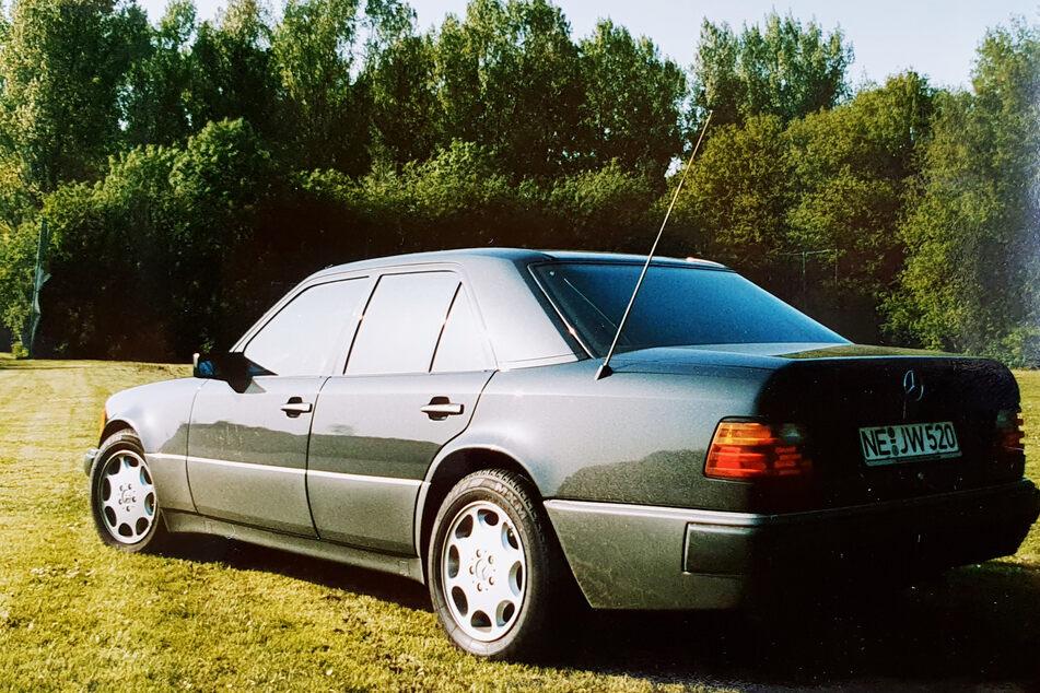 Die Polizei hofft auf Zeugenhinweise zu diesem gestohlenen Wagen.