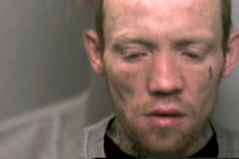 Unter dem Einfluss von Monkey Dust kletterte Karl Hall (34) in eine Wohnung und wollte diese partout nicht mehr verlassen.