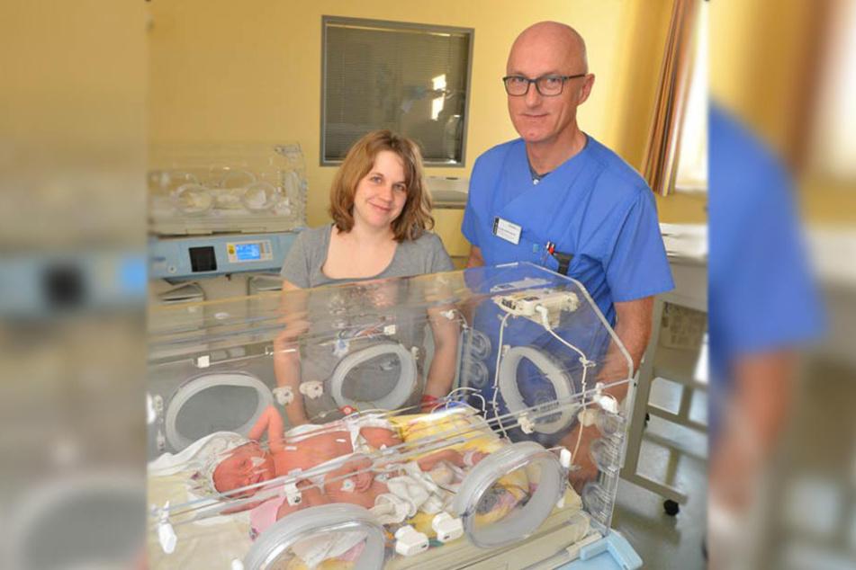 Levke und Madita dürfen noch nicht mit den anderen Babys liegen.